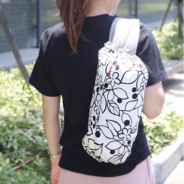 【L】北欧風モノトーンホワイト アート風ブラックライン花柄/抱っこひも収納カバー「ルカコ」88-0238-11