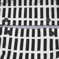 【L】【セット】北欧風スクエア柄ブラック/抱っこひも収納カバー「ルカコ」89-0837-11