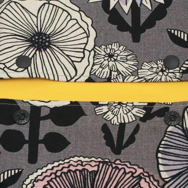 【L】北欧風大きめ花柄 グレー/抱っこひも収納カバー「ルカコ」 88-1038-11