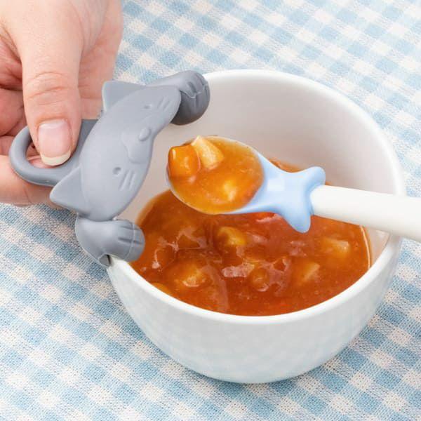 【マーナ(MARNA)】上手にすくえる ぱくぱくスプーン&キャッチャー【ネコ】食器洗い乾燥機・電子レンジOK mb K716 1000-09-04